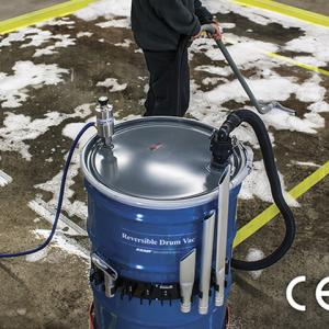 Aspiradora neumática DrumVac Exair se utiliza para limpiar jabón del piso.