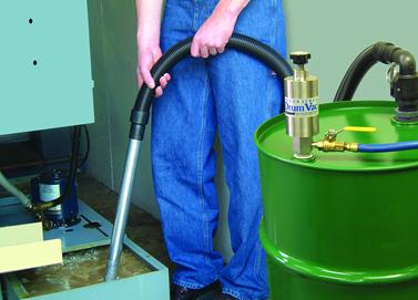Aspiradora neumática DrumVac Exair se utiliza para recuperar el refrigerante de máquina CNC.