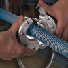 Cortina de aire Circular Ionizadora Exair es fácil de instalar en cualquier pieza con geometría cilíndrica.