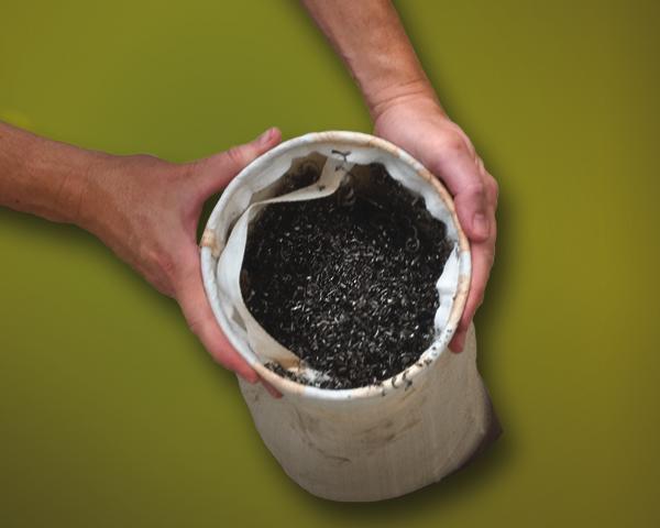 El filtro de la ChipTrapper Exair atrapa contaminantes y extiende la vida del aceite de corte.
