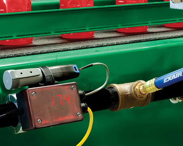 Medidor de flujo o flujómetro digital Exair mide consumo de aire comprimido.