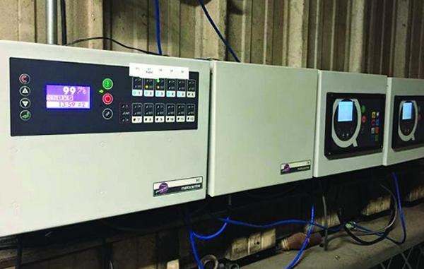 Monitorear y controlar en la que se genera el aire comprimido es esencial para el ahorro de energía en la industria. El control Metacentre de EnergAir permite lograr esto con facilidad.