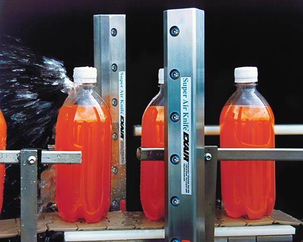 Super Air Knife Exair en procesos de embotellamiento