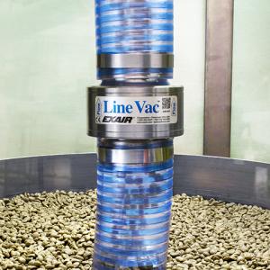 Transportador neumático LineVac Exair de acero inoxidable grado alimenticio transporta granos de café.