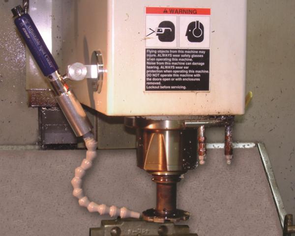 Punto de aire frío con capacidad ajustable se adhiere fácilmente a una operación de torneado para incrementar la vida del herramental.